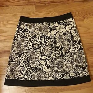 Ann Taylor Black and white floral skirt